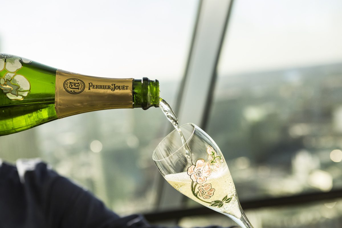 "Propose at the Gherkin and Say ""I do"" in style! - Searcys at the Gherkin"